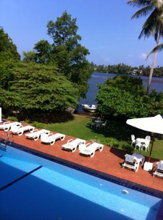 The Waterside Bentota: pool