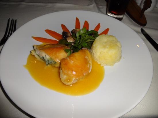 ليتل بولينسيان ريزورت: Dinner 