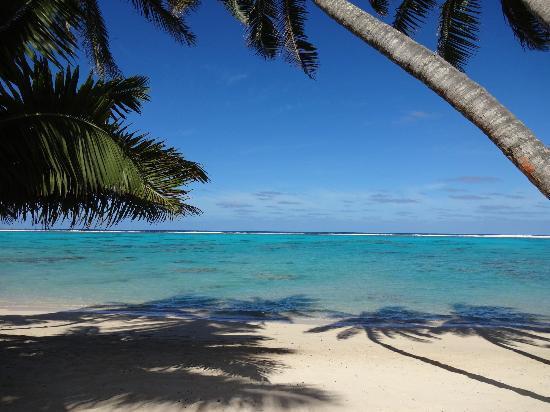 ليتل بولينسيان ريزورت: Beach 