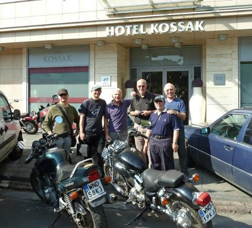 Kossak Hotel: Staff let us leave the bikes outside for free