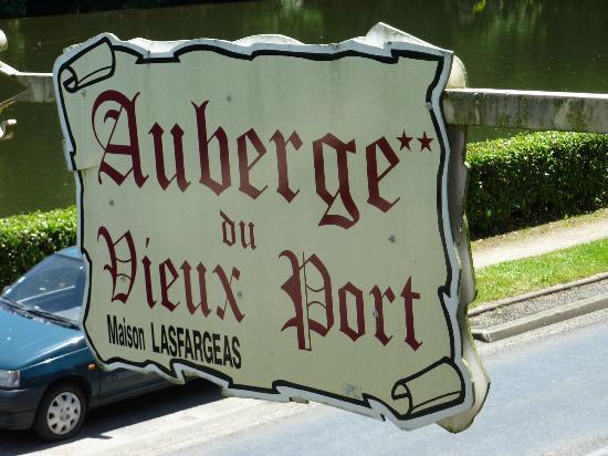 Auberge du vieux port gagnac sur cere frankrijk foto - Auberge du vieux port restaurant menu ...
