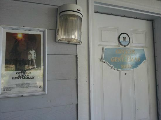 Tides Inn: Officer and Gentleman room