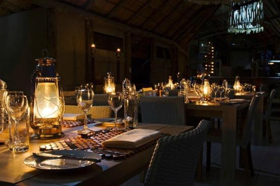 Ghoha Hills Savuti: Dinner