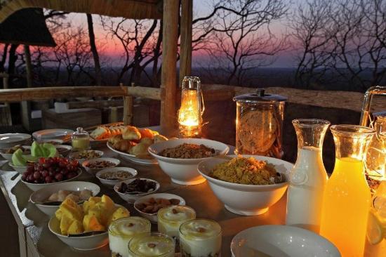 Ghoha Hills Savuti: Meals at Ghoha