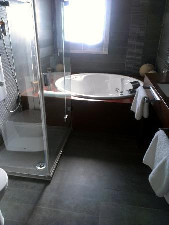 Marjal Allotjament: Baño suite