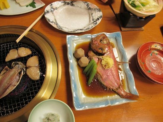 Kagetsutei: 昨晩の金目鯛の姿煮