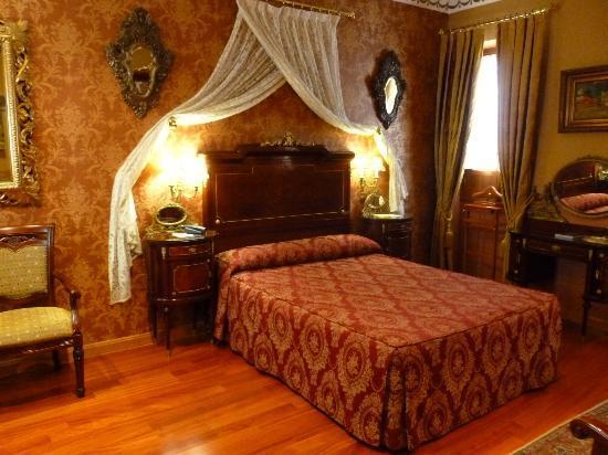 Hotel La Llave de la Jurderia: Chambre