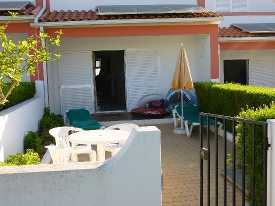 Joinal Villas Apartments: Personal garden area with BBQ