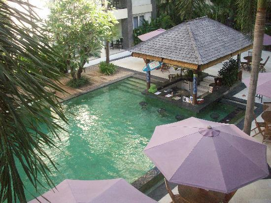 Bali Kuta Resort & Convention Center: Swimming pool