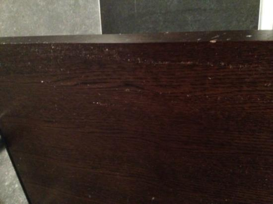 Lough Rea Hotel and Spa: Dirty bathroom door