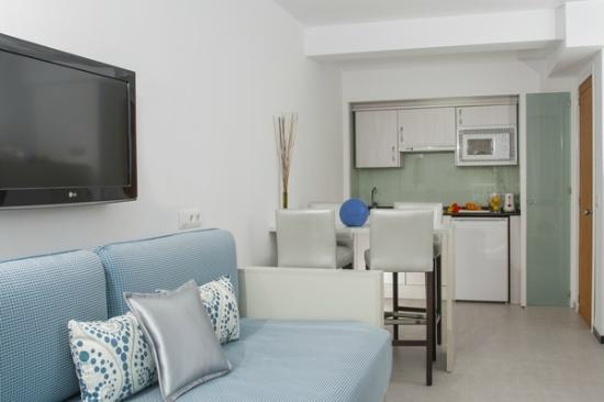 Hoposa Daina Apartments: Comedor