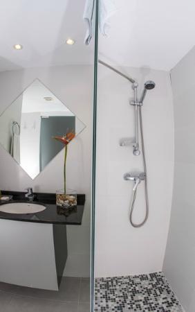 Hoposa Daina Apartments: Baño