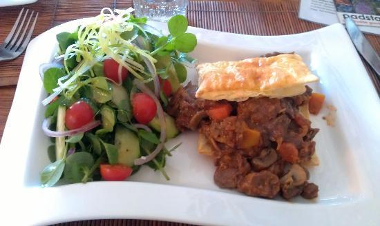 Grand Cafe Robertson: Beef Pie Special