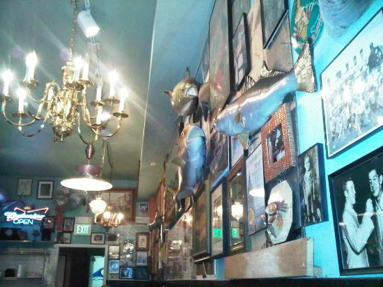 Mayes Oyster House: Wall Decoration