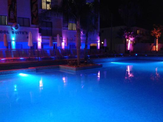 Tsokkos Holiday Apartments: Pool - Night