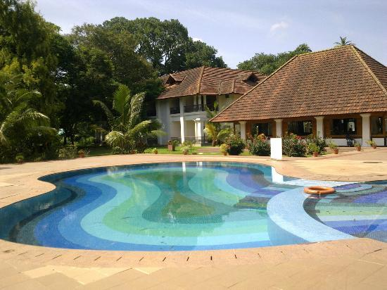 Bolgatty Palace and Island Resort: hotel pool