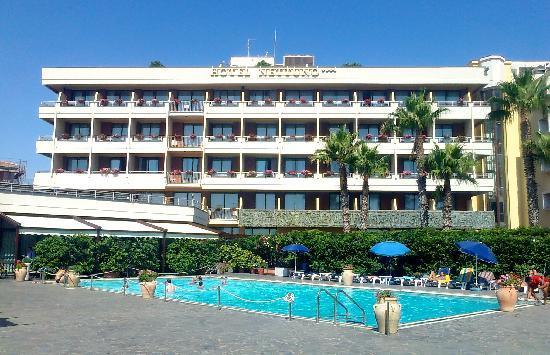 Hotel Nettuno: Panoramica Hotel