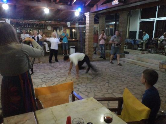 Angela Beach Hotel: soirée grec