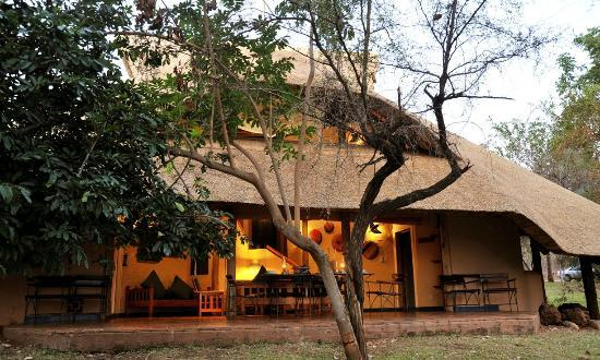 Lokuthula Lodges: Front of a 3 bedroom lodge