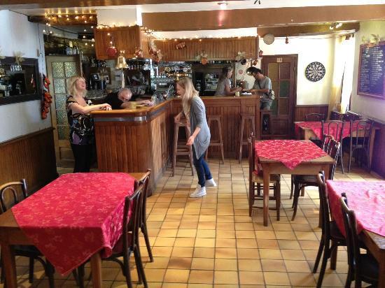 Le Relais du Chateau: Jos & Anja achter de bar
