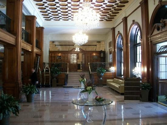 The Lord Nelson Hotel & Suites: Hotel Lobby