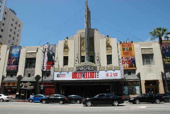 W Hollywood: Hollywood Blvd. vom Hotel aus gesehen
