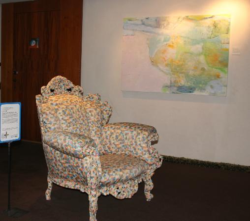 Avalon Hotel: Stol utenfor rommet vårt