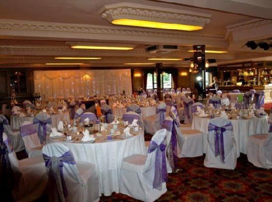 Bredbury Hall Hotel: GOYT VALLEY SUITE