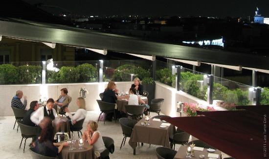 Hotel Savoy: Granet Restaurant on the Roof Garden