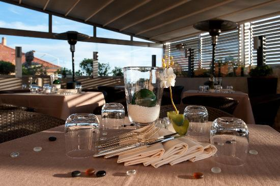 Hotel Savoy: Granet Restaurant & Terraces