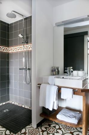 Casa9 Hotel: Salle de bain  Chambre 7