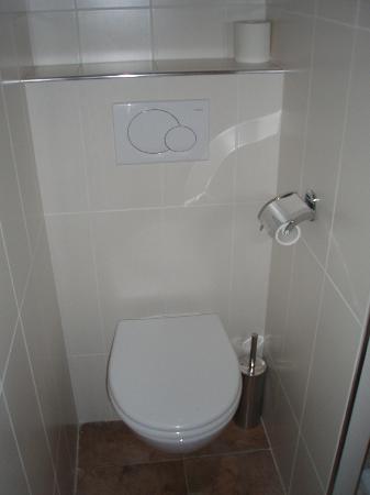 Hotel Moliere: Bathroom