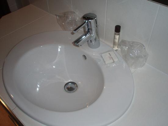 Hotel Moliere : bathroom