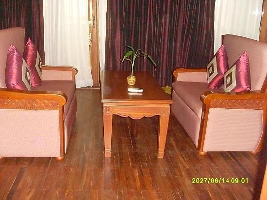 New Angkorland Hotel: sitting room