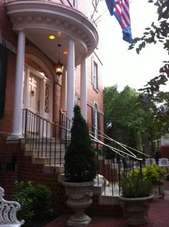 Morrison House, Autograph Collection : Grand front entrance.
