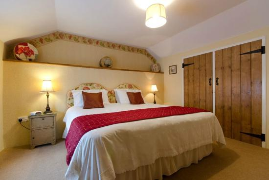 High Street, UK: Oxen House Bedroom