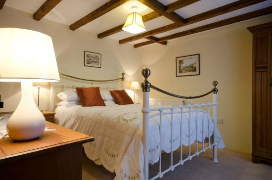 High Street, UK: Cider Barn Bedroom