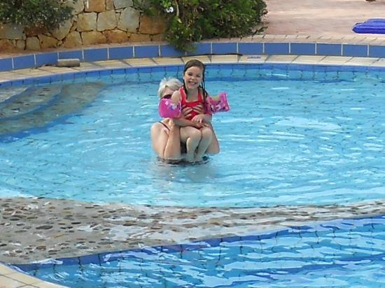 Lefka Apartments: The childrens pool