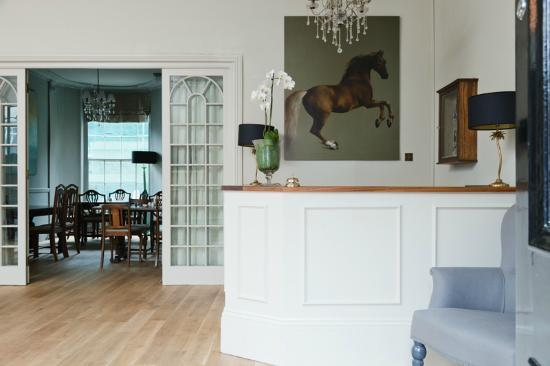 The Townhouse Hotel: Reception