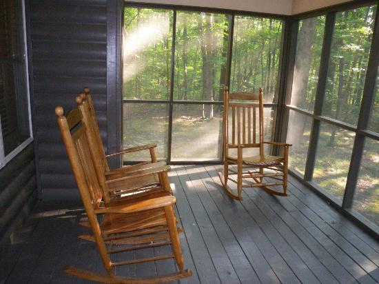 Cloudland Canyon State Park Cabins: Porch