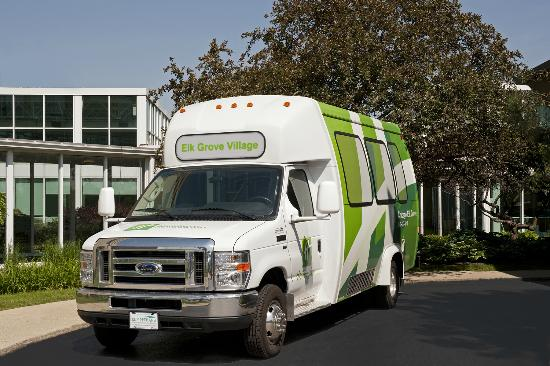 Holiday Inn Chicago Elk Grove: Shuttle Service Available to O'Hare Airport and the Surrounding Area