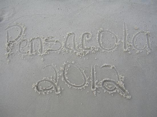 Paradise Inn: Gulf side sand