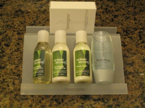 Hilton Garden Inn Detroit/Novi: Lotions and soap