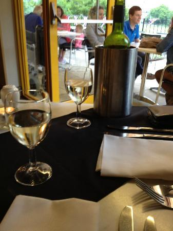 Beau Monde Bistro The Lampeter Hotel: Cheers