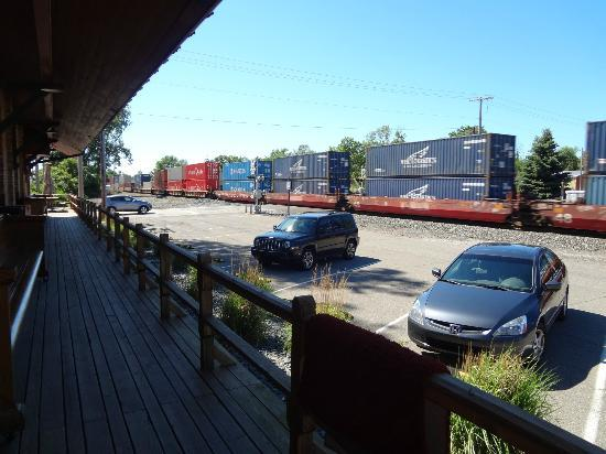 Riley's Railhouse: Parking and the view