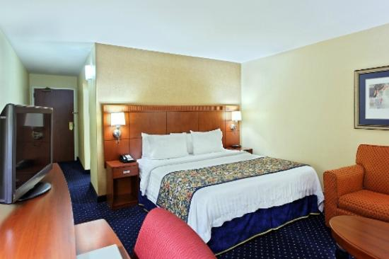 Courtyard Knoxville Cedar Bluff: King Spa Guest Room