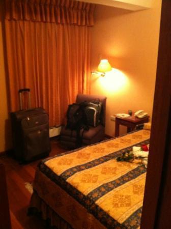 Del Prado Inn: Habitación