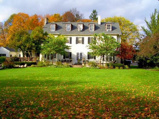 10 Fitch Luxurious Romantic Inn: back yard view of 10 Fitch in Autumn