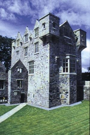 Donegal Tours-Day Tours : Donegal Castle