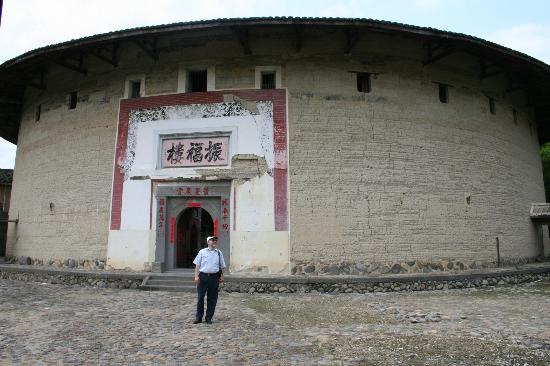 Nanxi Earth Buildings: entrance